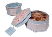"""""""Снежинка"""". Подарочная коробочка, пастильные рулеты с клювой."""